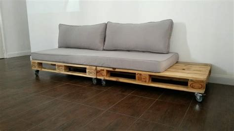 rooms to go build your own sofa pallet couch build an easy daybed sofa diy and crafts