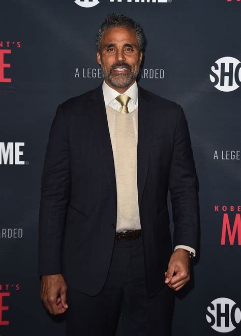 Rick Fox texted, offered support to Khloe Kardashian - CBS ...