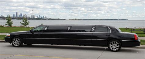 A Limousine Service by 7 Benefits Of Booking A Limo Service For Your Child S Prom