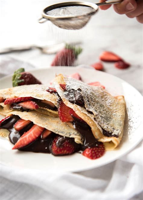 cuisine cepes nutella crepes with strawberries recipetin eats