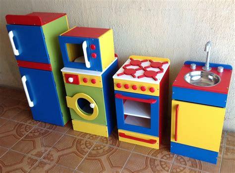 rincon de cocina de madera de juguete  en