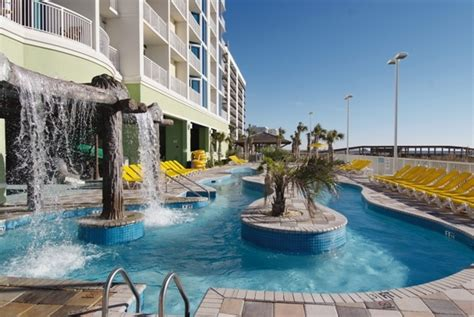 poolside at wyndham vacation resorts towers on the grove