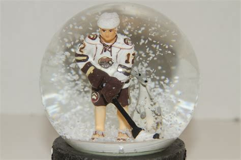 nathan walker talks about his australian themed snow globe