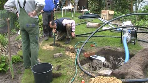 Brunnen Bohren Immer Wasser Im Eigenen Garten by Brunnen Tag 2 Anstich Und Lange Gesichter