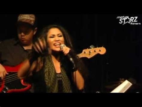 Ezlynn  Tic Tac Toe (showcase Live @ No Black Tie) Youtube