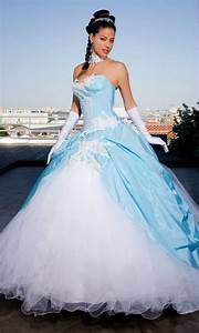 Robe de mariee blanche et bleu for Robe de mariée bleu et blanche