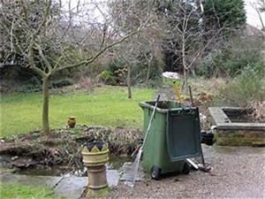 Comment Nettoyer Le Fond D Une Piscine Sans Aspirateur : comment vidanger un bassin de jardin ~ Melissatoandfro.com Idées de Décoration