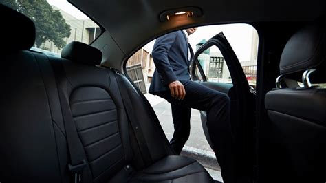 Better Seat Belts Needed For Backseats