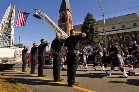 Coloured Police Offers An Additional Service 'blue mass' honors maine's emergency responders