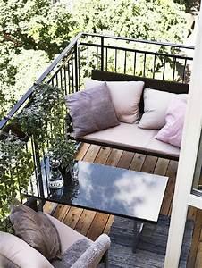1001 ideen zum thema schmalen balkon gestalten und einrichten With balkon teppich mit tapete punkte schwarz