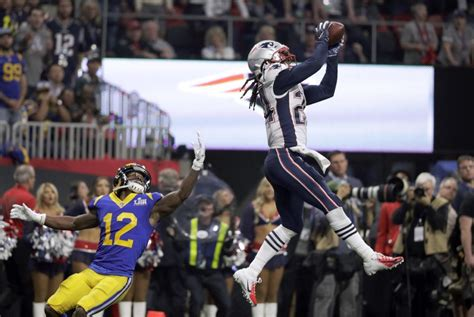 patriots beat rams    lowest scoring super bowl
