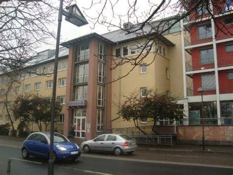 Haus Der Jugend (frankfurt, Tyskland)  Omdömen Och