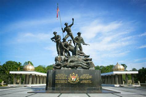 Gugur Kandungan Hari Pahlawan Kenang Jasa Perajurit Berita Tentera Darat
