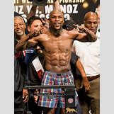 Floyd Mayweather Vs Robert Guerrero Weigh In | 588 x 785 jpeg 85kB