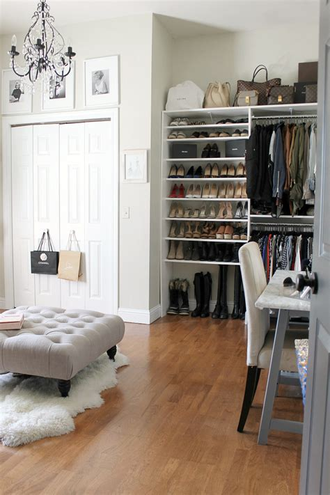 Bedroom Turned Tv Room by Turning A Spare Bedroom Into A Dressing Room An Update