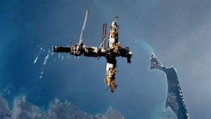 March 23  2001  Mir Space Station Comes Crashing Down To Earth