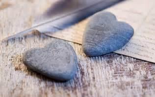 bad mit steine 2 steine in der form herzen hd hintergrundbilder