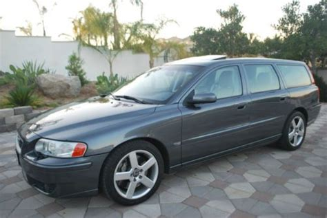 buy   volvo   wagon  door   perris