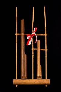 File:Single note angklung ('G'), 2015-05-21.jpg - Wikipedia