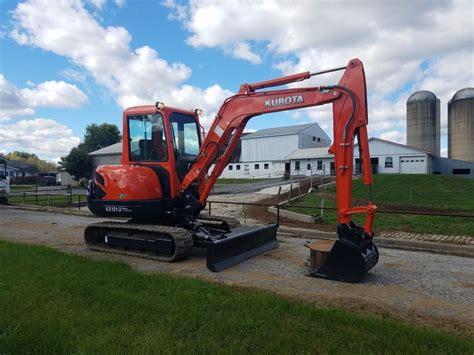 kubota kx st diesel hydraulic mini excavator   blade track hoe
