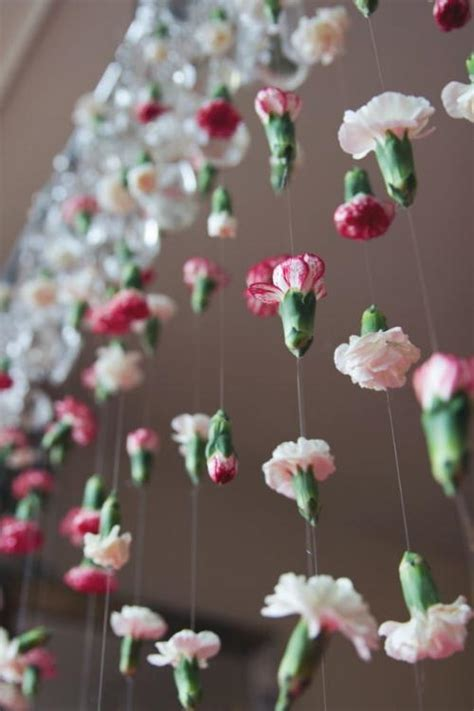 cascading flower diy wedding backdrop allfreediyweddingscom