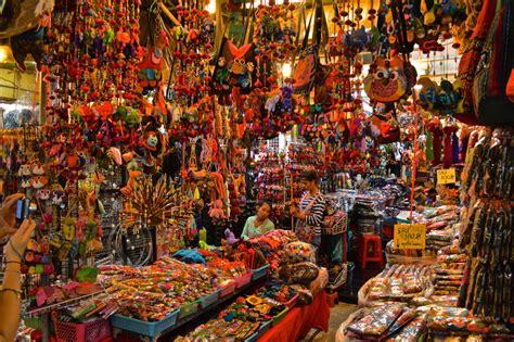 Chatuchak Weekend Market in Bangkok - Ithaka