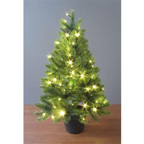 kuenstlicher tannenbaum im topf weihnachtsbaum kunsttanne
