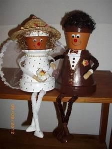 Creation Avec Des Pots De Fleurs : cr ation cadeau mariage couple de mari en pot de fleurs ~ Melissatoandfro.com Idées de Décoration