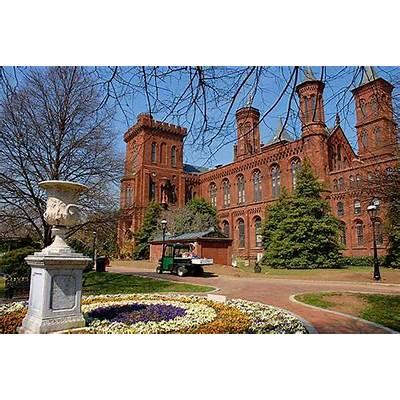 Seeks Ghosts: Haunted Smithsonian Castle