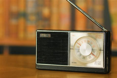 What Actually IS the Difference Between AM and FM Radio ...