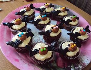 Halloween Muffins Rezepte Mit Bild : halloween bat cupcakes rezept ~ Frokenaadalensverden.com Haus und Dekorationen