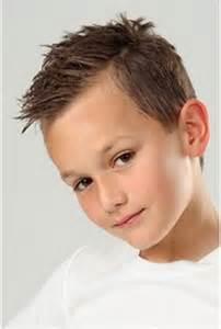 tendance coupe de cheveux coupe de cheveux tendance enfant