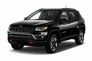 Jeep Compass Sport : 2017 jeep compass first look review motor trend ~ Medecine-chirurgie-esthetiques.com Avis de Voitures