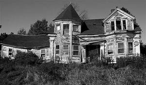 Prompt #58: Haunted House | Qwiklit