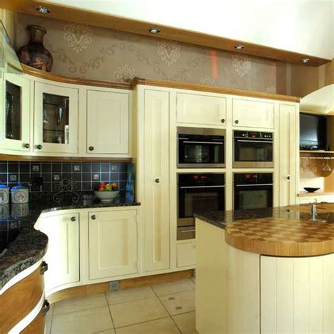 maple shaker style cabinets shaker kitchens kitchen design ideas photo gallery