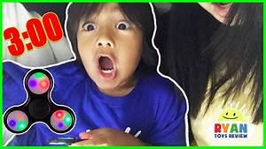 Spinning a Fidget Spinner! - YouTube