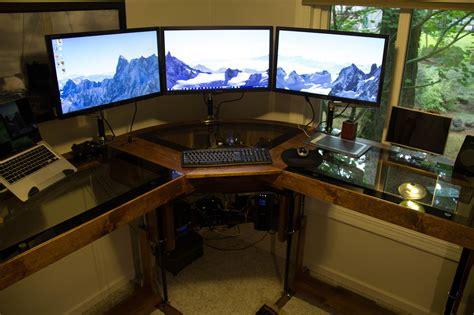 montage pc bureau diy un magnifique bureau informatique monté sur vérins