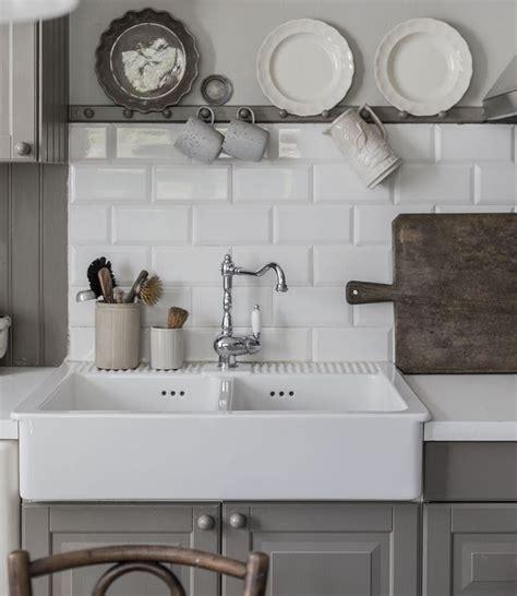 porcelain farm sinks kitchen our picks budget friendly apron front farmhouse sinks 4323