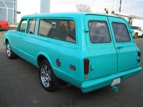 chevrolet suburban custom  door suv