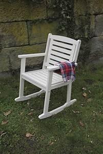 Chaise En Pin : chaise en pin bercante ~ Teatrodelosmanantiales.com Idées de Décoration