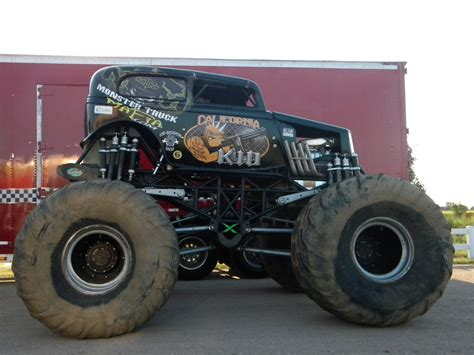 wheels monster truck videos monster truck monster truck trucks 4x4 wheel wheels ge