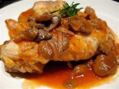 cuisines et vins de recettes cuisine lapin ã la tomate et aux chignons recette