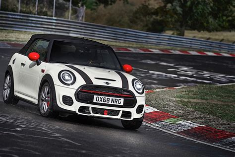 Mini Cooper Car : Mini John Cooper Works Comes Back As Euro 6d-temp