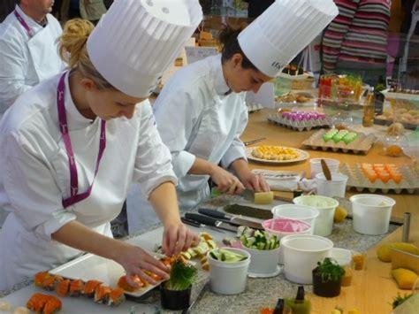 cuisiner a domicile et livrer deux lyonnais lancent la gastronomie à domicile