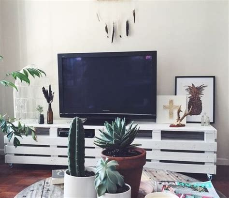 fascinating ideas   original pallet tv stand