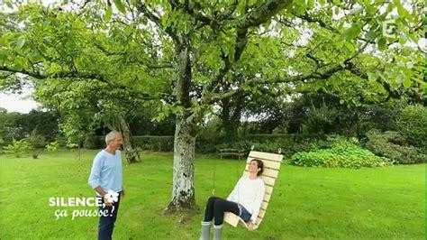 chaise hamac suspendu créer une chaise suspendue dans votre jardin do it
