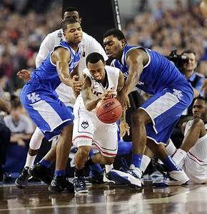 Pictures: UConn Men Vs. Kentucky In NCAA Final - Hartford ...