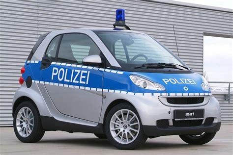 bild   autos navigation auf streife polizeiautos