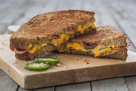 Sandwich Au Fromage Fondant Avec - sandwich au fromage fondant au jalapeno et au bacon kraft canada