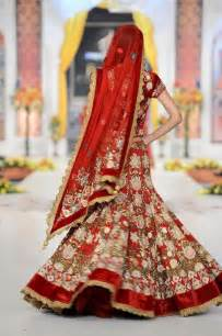 wedding chunni bridal lehenga gold and dresses and sari